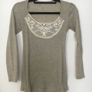 Long-sleeved shirt with lace bib detail